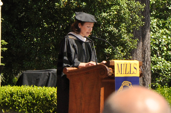Holly Gordon gives her speech as the Commencement Speaker. (Photo by Melodie Miu)